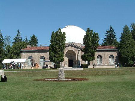800px-Perkins_Observatory-1.JPG