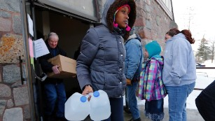 160110131611-03-flint-water---water-distribution-medium-plus-169
