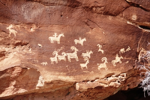 arches-national-park-petroglyphs-click-to-enlarge