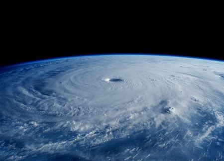 Maysak_seen_from_the_ISS_6.jpg